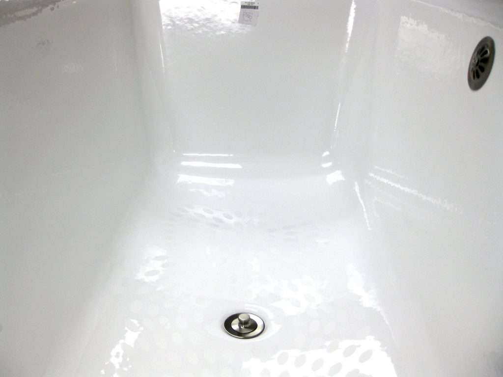 Some Homeowners Have Expressed A Concern That A Textured Base Might Affect  Their Enjoyment Of The Tub. Common Drop In And Alcove Tubs Often Have A  Somewhat ...