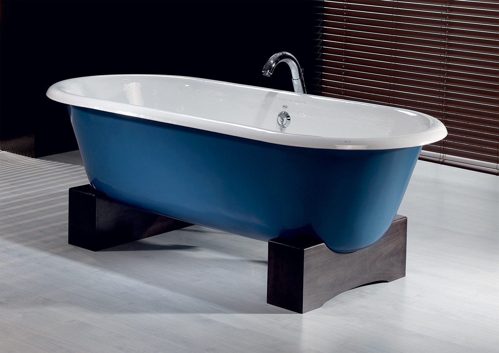 REGAL Cast Iron Bath with Wooden Base - Cheviot Products