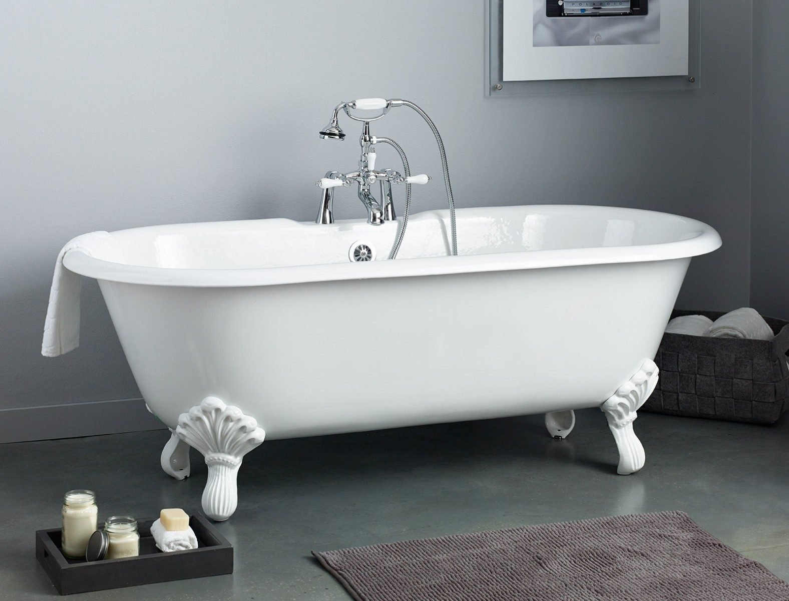REGAL Cast Iron Bath with Shaughnessy Feet - Cheviot Products