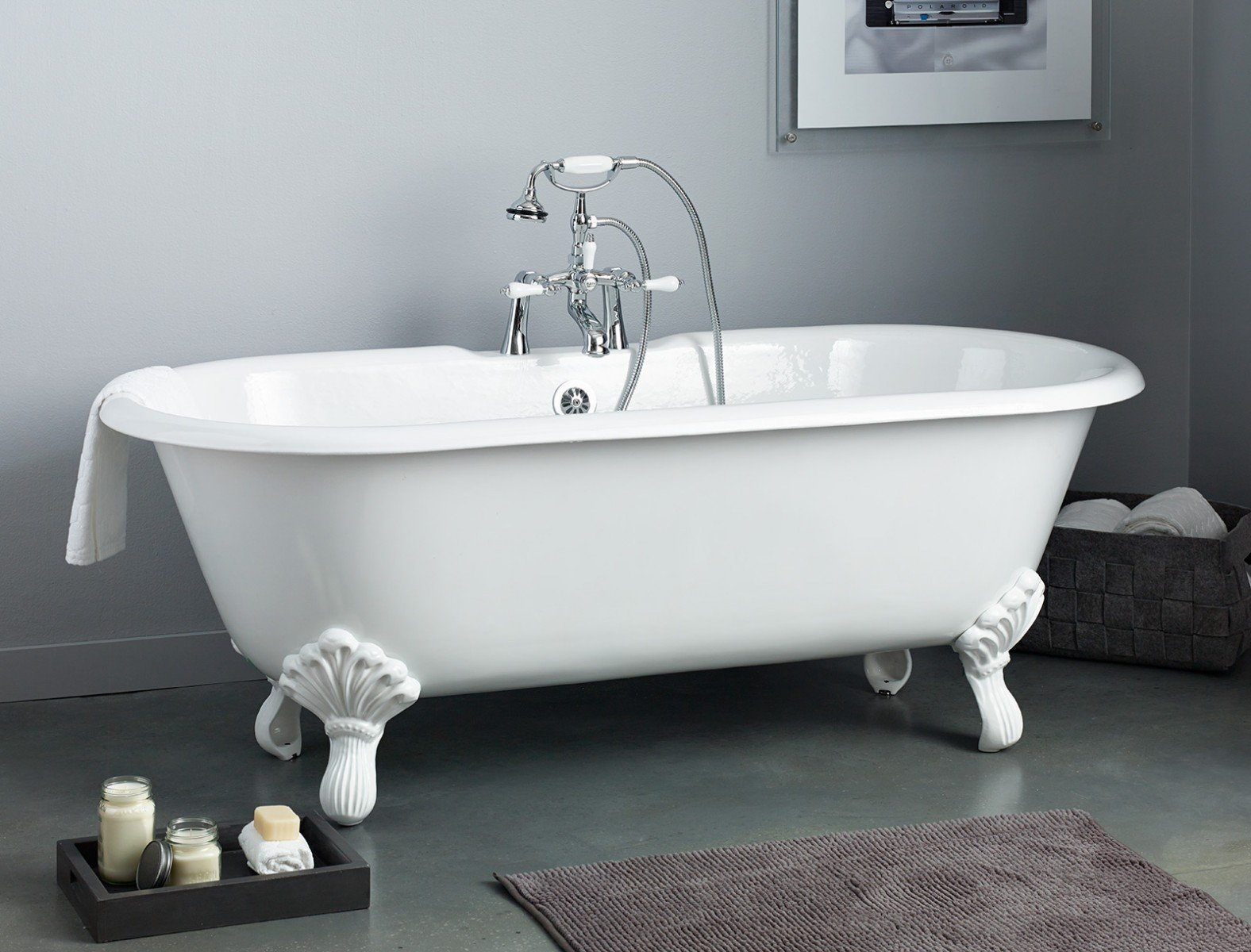 REGAL Cast Iron Bath With Shaughnessy Feet