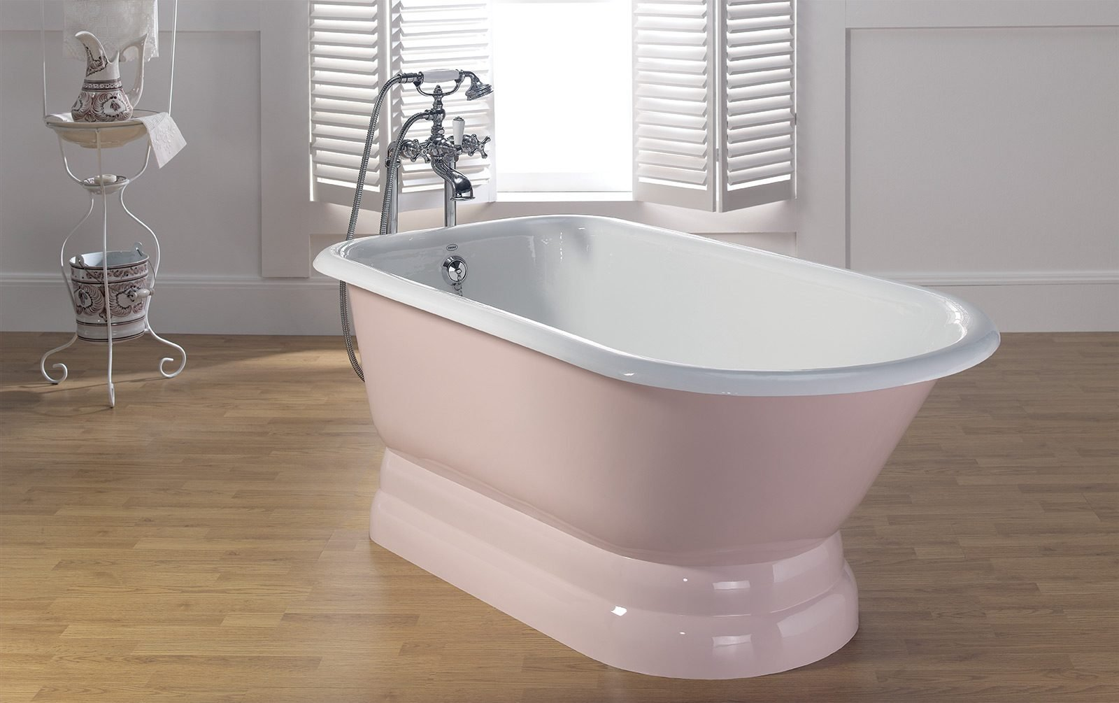 Traditional Cast Iron Tub With Pedestal Base Cheviot Products