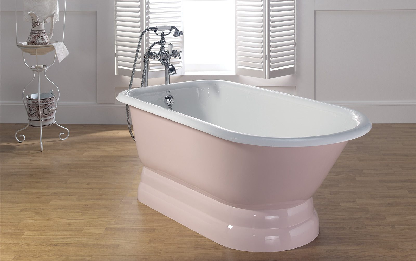 TRADITIONAL Cast Iron Tub with Pedestal Base - Cheviot ...