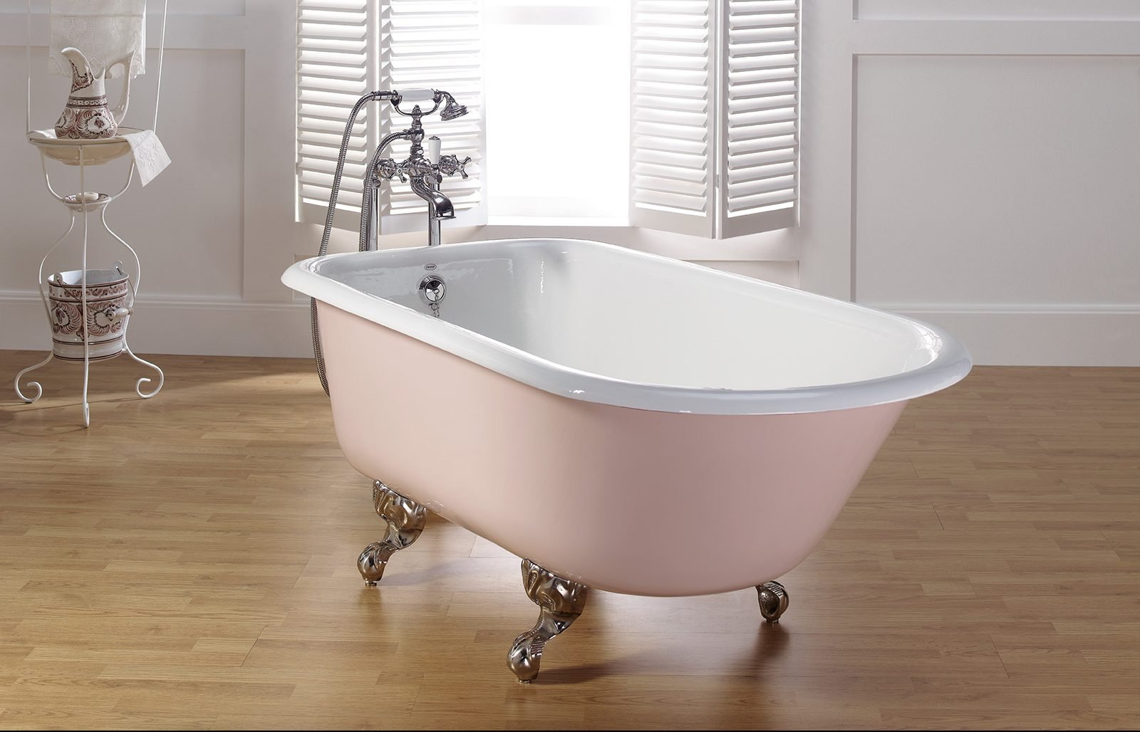 More Images TRADITIONAL Cast Iron Bath