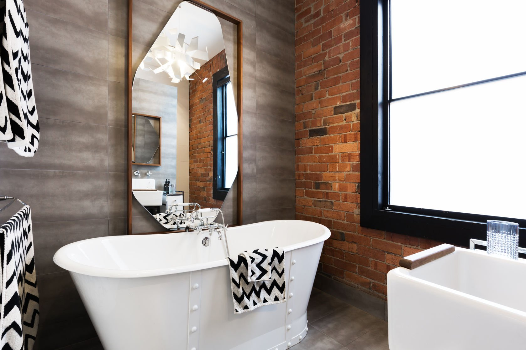 Bathroom Trends to Avoid in 2018: What Showroom Buyers Should Know