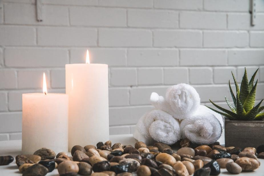 candles stones