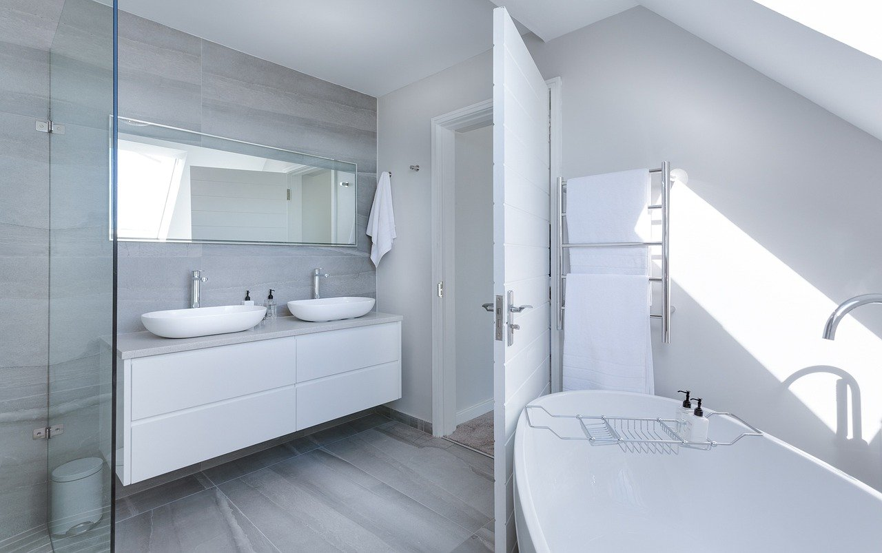 small luxury bathroom - small space