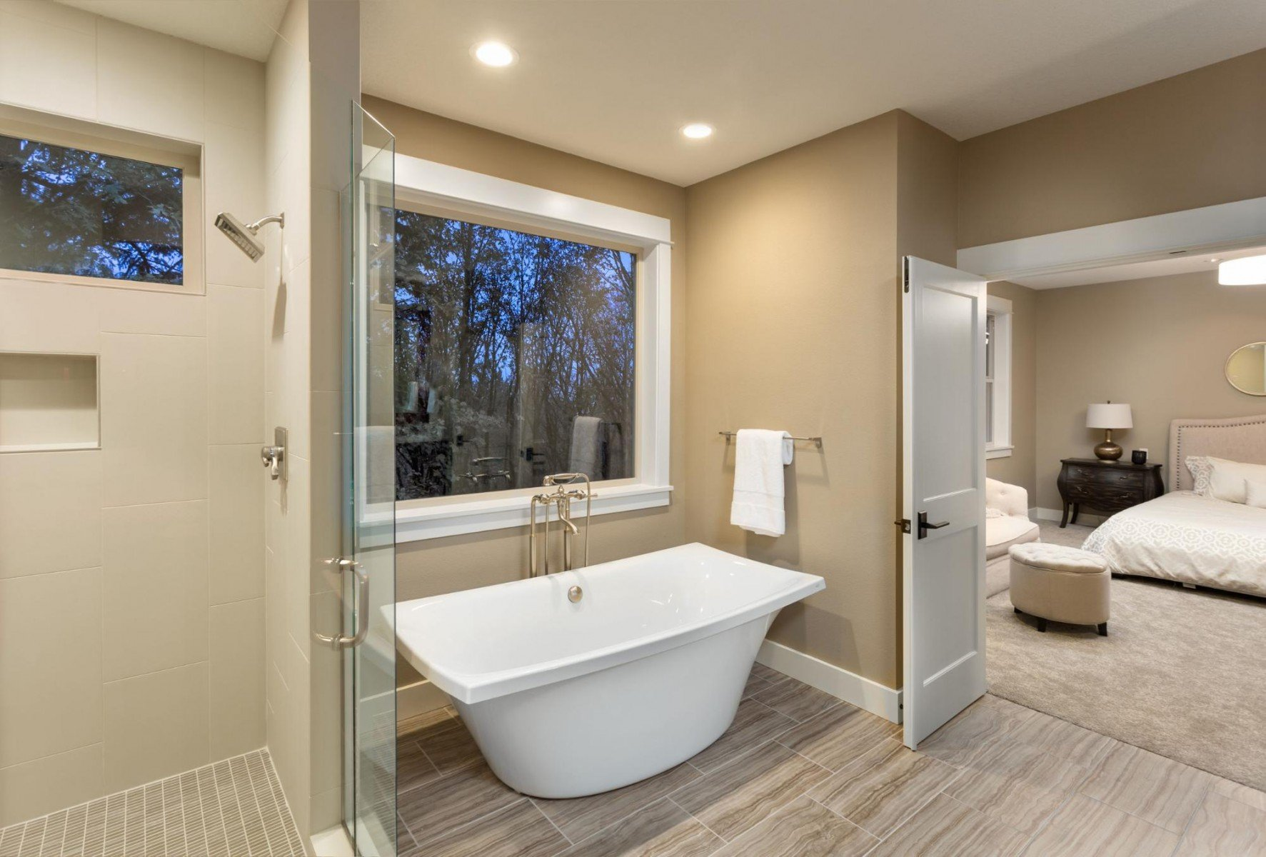 Bathtub in the Bedroom? How to Design an Open Concept Bathroom
